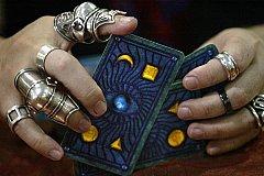 Потомственную иностранную «ведьму» уличили в обмане