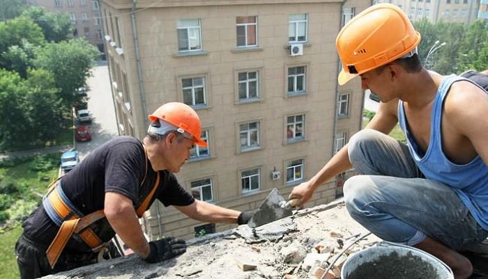 Алтайская генпрокуратура: Ремонт многоквартирных домов проходит снарушениями