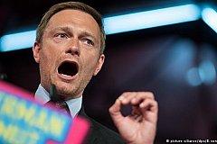 Германия пытается разрядить политическое напряжение признавая Крым российским