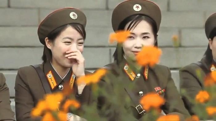 Северокорейские женщины. Фото: Youtube