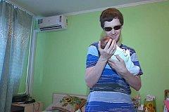 У слепых родителей хотят отобрать новорожденную дочь