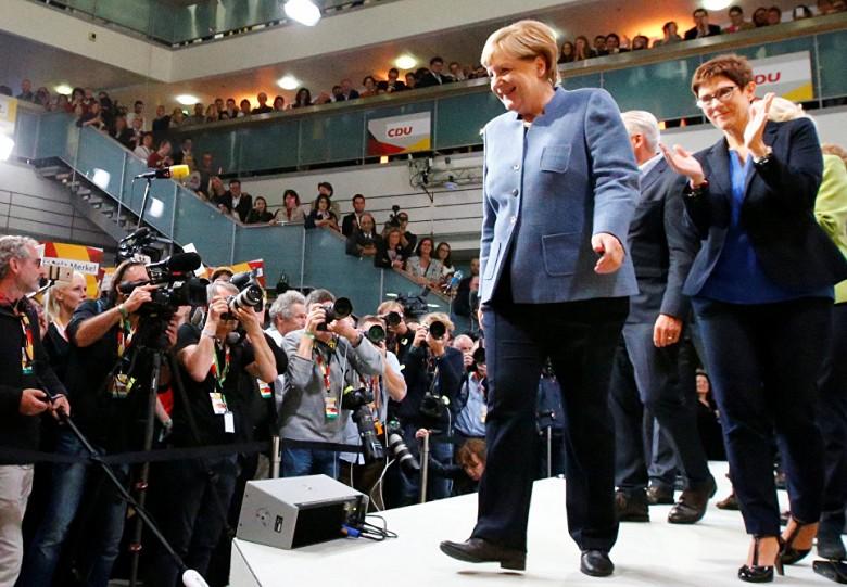 Лидер СДПГ Мартин Шульц признал поражение навыборах вбундестаг