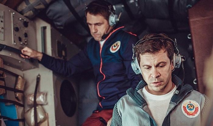 Путин вгодовщину запуска первого искусственного спутника Земли посмотрел фильм «Салют-7»