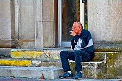 Курить около жилых домов запретит Минздрав