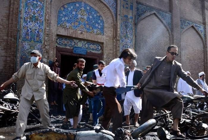 Взрыв вмечети Кабула: число погибших  выросло до  30