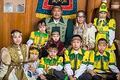 У лучшей семьи России нет денег на поездку за наградой