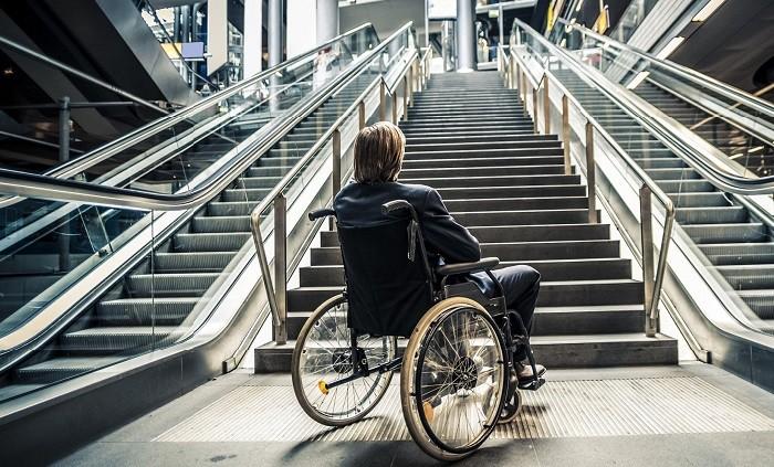 ВПетербурге подростка синвалидностью выгнали изкинотеатра