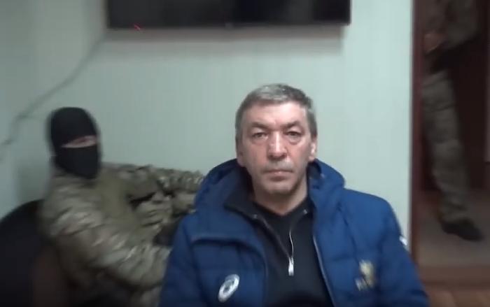 Премьер-министр Дагестана во время задержания. Фото: Youtube.com