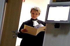 Судья Светлана Павлова «убивает» Блокнот Волгоград