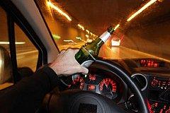 Пьяных за рулем судей от вождения автомобиля отстранять запретили