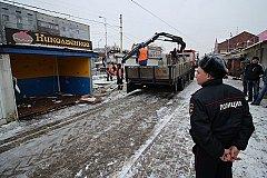 В Калининграде массово сносят торговые павильоны