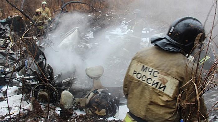 Фото с места крушения вертолёта Ми-8. Источник: Пресс-служба МЧС по Хабаровскому краю/ТАСС