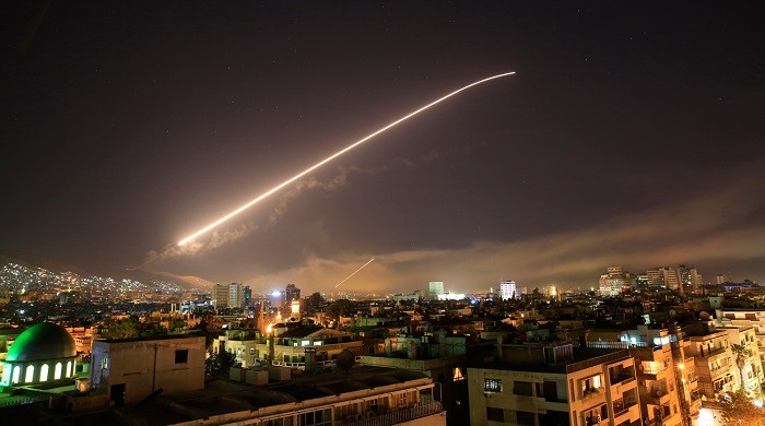 Ракеты Трампа падают на Дамаск. США нанес ракетный удар по Сирии фото 2