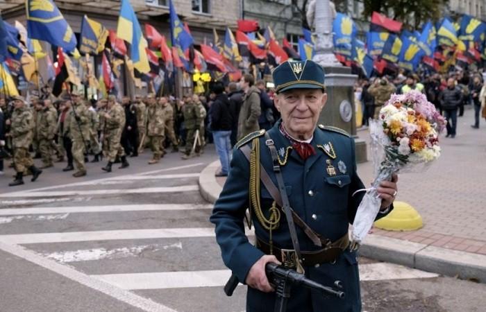 Экс-глава МВД Украины сказал о планах украинской столицы сорвать «Бессмертный полк»