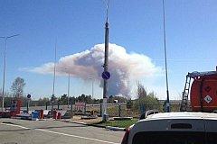Пожар в Пугачево спровоцировал взрывы снарядов. ВИДЕО