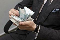Российские чиновники хотят увеличение зарплат на 60%