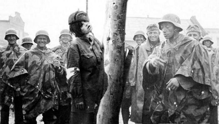 Немецкий солдат: «Мы истребляем русских. Мир должен быть нам благодарным» фото 5
