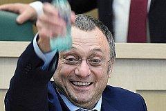 Все обвинения власти Франции с Сулеймана Керимова сняли