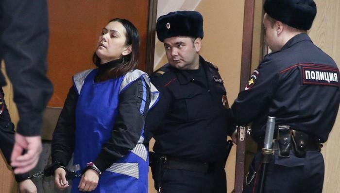 Архивное фото: vesti.ru. На фото няня Гульчехра Бобокулова, убившая доверенного ей ребёнка в Москве в феврале 2016 года.
