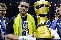 Усик отказался от звания Героя Украины и призвал украинцев не смотреть телевизор