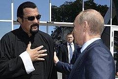 Стивен Сигал будет бесплатно работать на Россию
