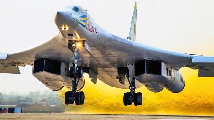 Сверхзвуковой стратегический бомбардировщик Ту-160. Фото:  gosnovosti.com