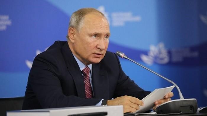 Владимир Путин на Восточном экономическом форуме. Фото:  xrule.ru