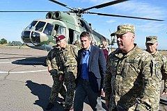 На Украину приехал призывавший Россию «заткнуться» британский минобороны