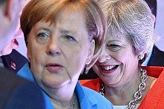 Ангела Меркель публично оскорбила Терезу Мэй