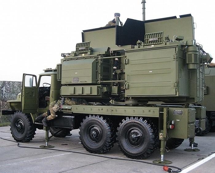 Станция мощных шумовых помех СПН-2 является главным звеном российской и сирийской систем РЭБ (наравне с «Красухой-4») в «ослеплении» радиолокационных станций израильских и американских истребителей