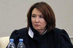 «Золотая» судья Хахалева юридического образования не имеет