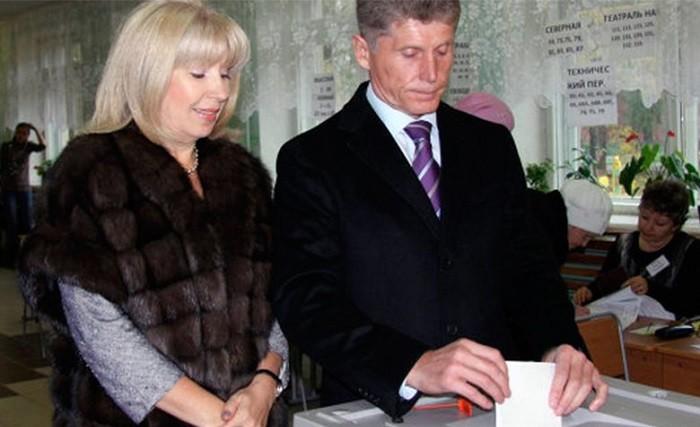 Врио главы Приморского края Олег Кожемяко с супругой Ириной Герасименко. Фото: compromat.group