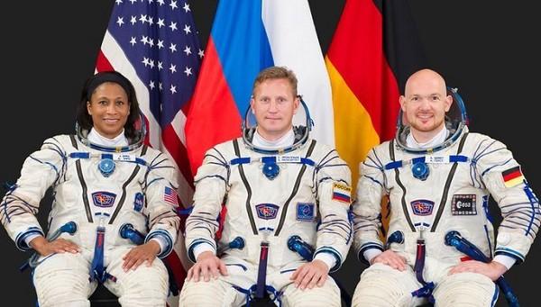 Американская афро-астронавтка намекает на расизм в NASA фото 2
