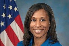 Американская афро-астронавтка намекает на расизм в NASA