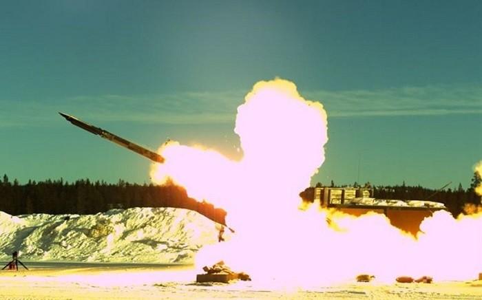 Пуск ракеты GLSDB в рамках натурных испытаний, проводившихся компаниями «Boeing» и «SAAB» в феврале 2015 года