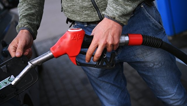 Независимые АЗС готовы продавать топливо по 30 рублей за литр фото 2
