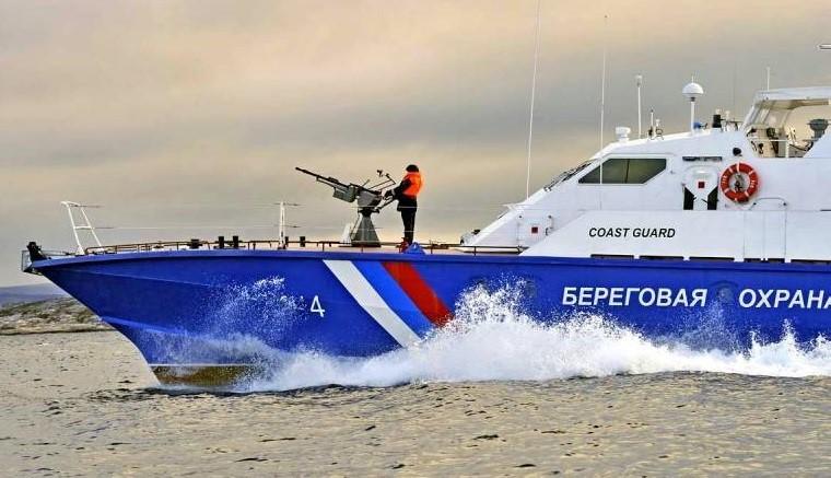 Корабли береговой охраны ФСБ открыли огонь при задержании судов ВМС Украины фото 2