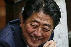 Япония уже считает Курилы своими. Абэ пообещал не выселять россиян после передачи островов.
