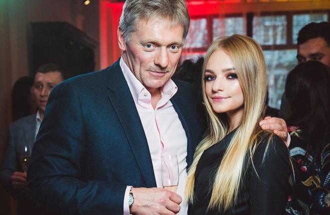 Дмитрий Песков с дочерью Елизаветой. Фото: vladtime.ru
