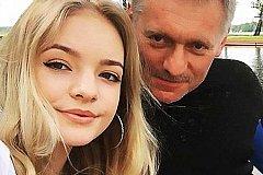 Песков ничего зазорного не видит в работе своей дочери в Европарламенте