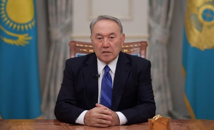 Бессменный Назарбаев сложил полномочия президента Казахстана фото 2