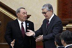 Назарбаев «Народный герой», в его честь переименовали Астану и воздвигнут монумент