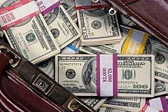 Налоговая служба РФ получила данные об активах россиян в десятках стран