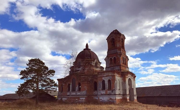 Чернорицкое. Церковь Николая Чудотворца. Фото Владислава Деревянных