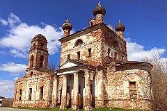 Почему попы рвутся в города-миллионники, когда в России сотни церквей стоят в руинах?