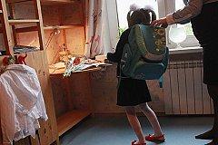 Школьников в России хотят избавить от тяжелых ранцев